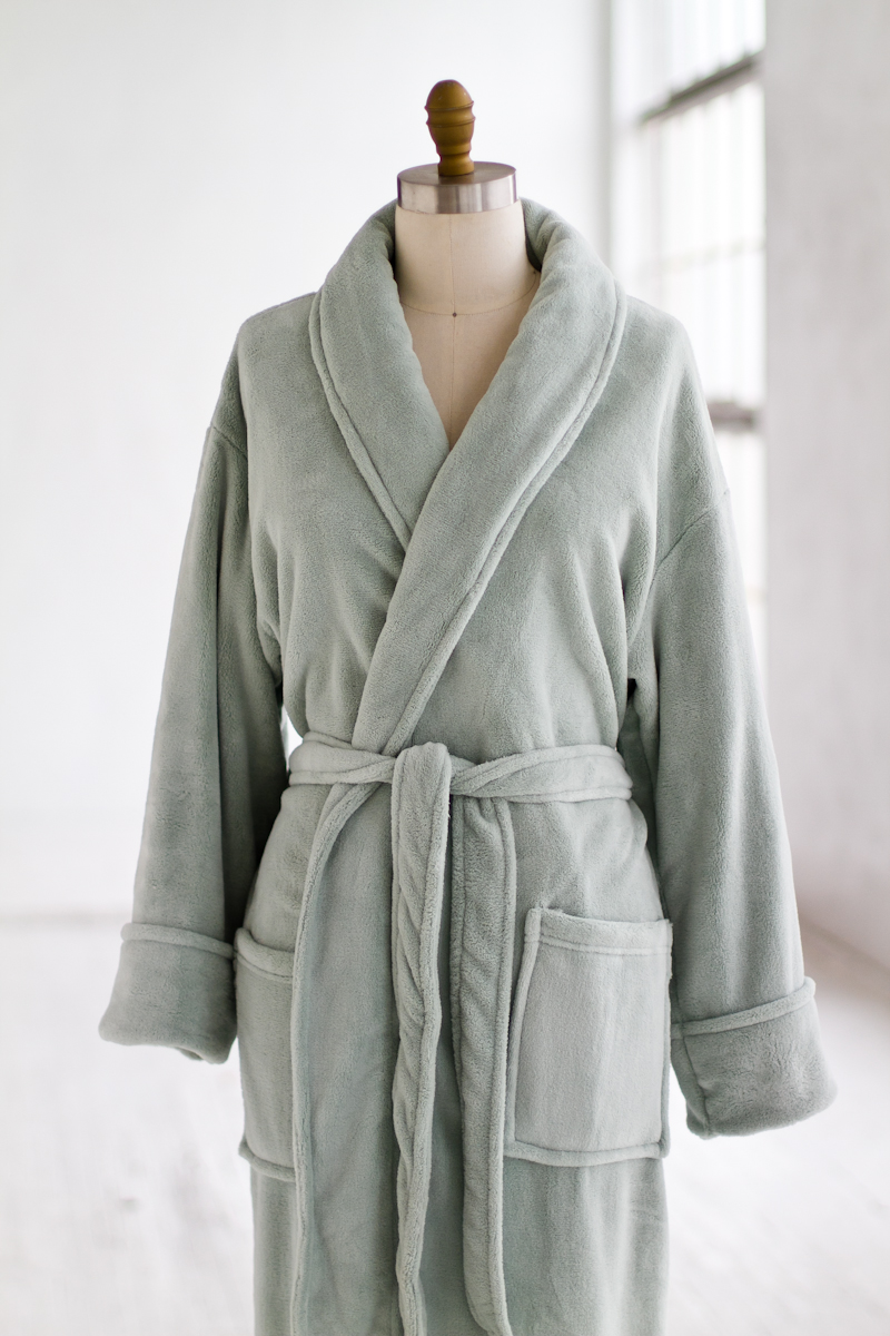 Fuzzy Robes | Womens Long Bathrobes | Plush Bathrobes
