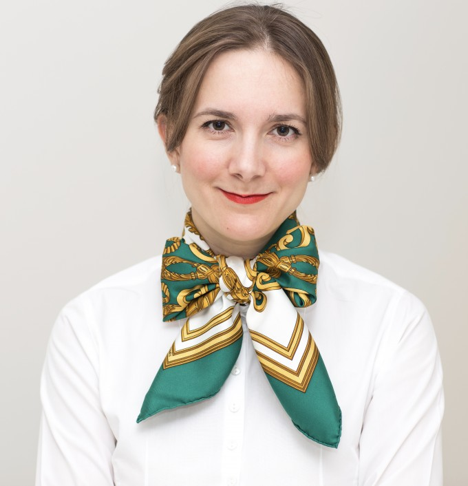 Scarf Knots   Oblong Scarf   How To Tie An Hermes Scarf